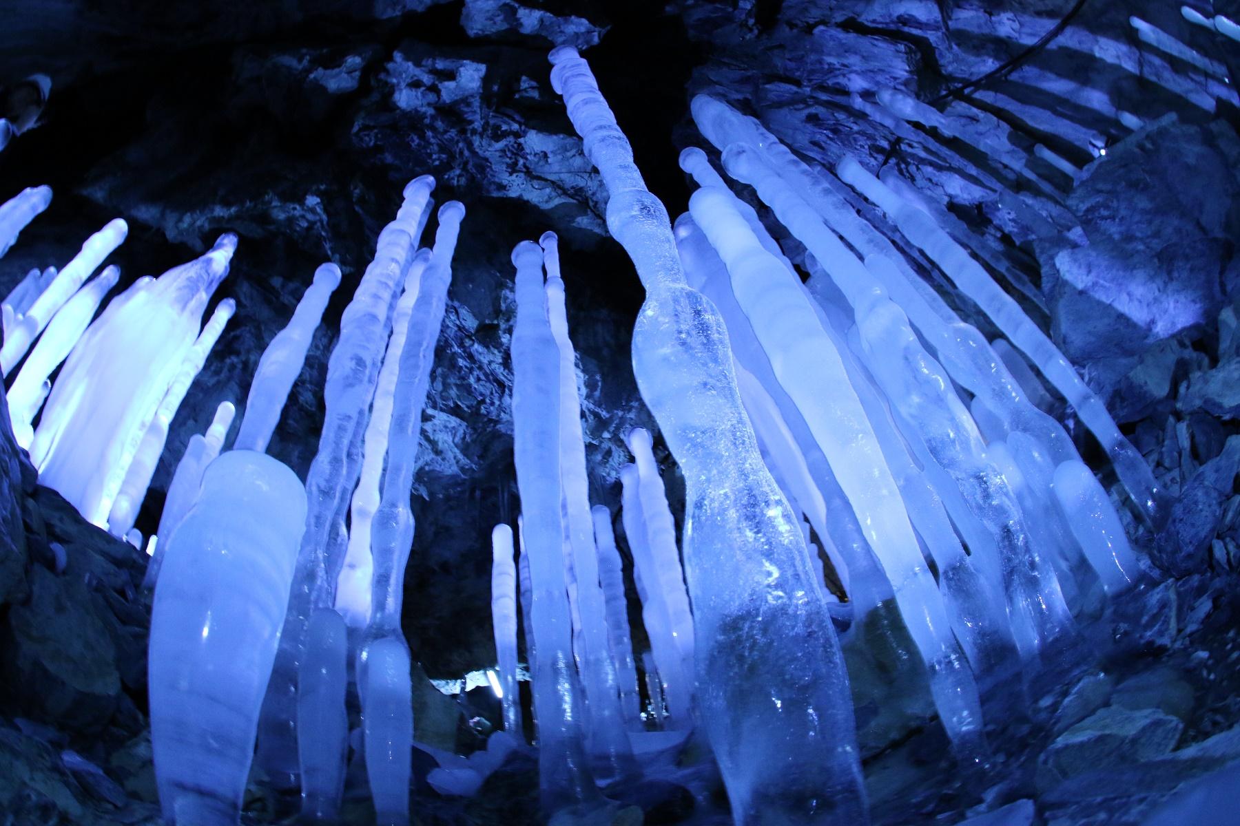内間木洞 氷筍