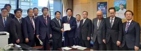 画像:令和元年台風第19号災害に関わり、要望活動を行いました。