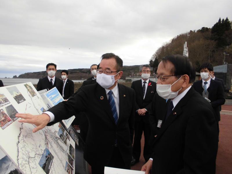 R2.12.24 平沢復興大臣 (3).JPG