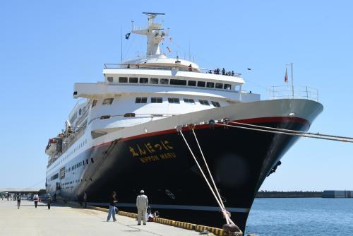 画像:客船「にっぽん丸」入港